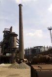 Vitkovice铁和钢厂和户外一个高烟囱 免版税库存照片