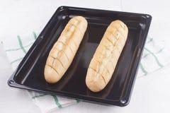 Vitlökbröd som är nytt från ugnen Arkivfoton