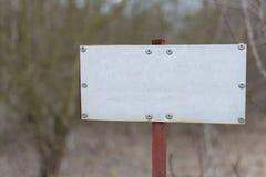 Gammalt metalltecken Fotografering för Bildbyråer