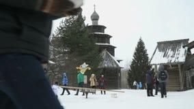 Vitoslavlitsy in Veliky Novgorod, Rusland in de winter stock video