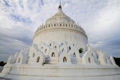 Vitpagoda i mingun, myanmar Fotografering för Bildbyråer