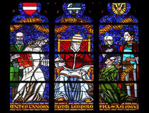 Vitral em Votiv Kirche a igreja votiva em Viena Fotos de Stock Royalty Free