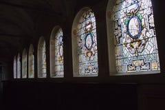 Vitral en el pasillo del coloquio de la iglesia de Florence Charterhouse, di Firenze de Certosa di Galluzzo Italia Imagen de archivo libre de regalías