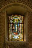 Vitral en la iglesia ortodoxa servia de la ascensión santa del señor en la ciudad de Subotica, Serbia Imagen de archivo libre de regalías