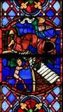 Vitral na catedral das excursões - bens e o mal imagens de stock