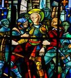 Vitral na catedral de Rouen - Joana do arco imagens de stock