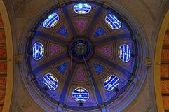Vitraux dans le dôme de l'église de Hoorn Images stock