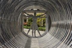 Vitruvian man som göras i marmor royaltyfri foto