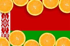 Vitryssland flagga i citrusfruktskivahorisontalram arkivbild