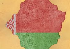 Vitryssland flaggaabstrakt begrepp i fasad för betong för agg för fasadstruktur stor skadad arkivfoton