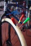 Vitt cykelgummihjul Royaltyfri Bild