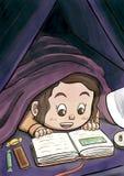 Vitt flickanederlag under filten som läser en bilderbok Fotografering för Bildbyråer