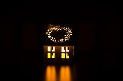 Vitt hus för ljusstake Royaltyfria Foton