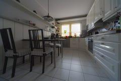 Vitt kök Fotografering för Bildbyråer