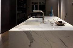 Vitt marmorkök Arkivfoton