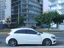 Vitt mintkaramellvillkor Mercedes-Benz A 200 i Lima Arkivfoton