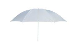 Vitt paraply på en vit bakgrund Fotografering för Bildbyråer