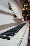 Vitt piano Royaltyfri Foto