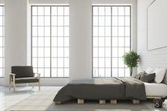 Vitt sovrum med horisontalaffischen Royaltyfri Fotografi