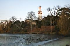 Vitt torn (Schlossturm) i dålig Homburg germany arkivfoto