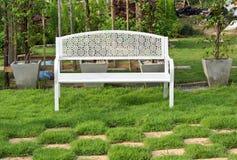vitt trä för bänk Royaltyfri Fotografi