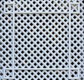 Vitt trä- fyrkantigt galler Textur av celler royaltyfri fotografi