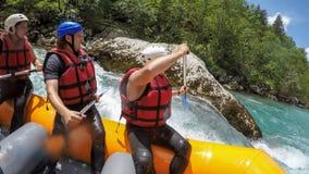 Vitt vatten som Rafting affärsföretag Arkivfoto