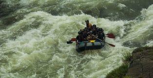 Vitt vatten som Rafting i Kitulgala Sri Lanka Royaltyfria Bilder