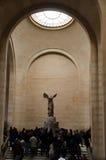 Vittoria alata di Samothrace a Musée du Louvre Immagine Stock