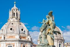 Vittoriano宫殿雕象维托里奥・埃曼努埃莱・迪・萨伏伊纪念碑的,阿尔塔雷della帕特里亚,威尼斯广场,罗马意大利 库存图片