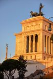 Vittoriano с светом захода солнца стоковое изображение rf