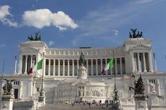 Vittoriano (维托里奥Emanuele II纪念碑)在罗马,意大利 前面 图库摄影