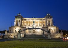 Vittoriano - un monument dans le premier Roi United Italy Victor Emmanuel d'honneur II tôt le matin photographie stock libre de droits