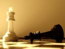 Vittorie di bianco del piano d'azione di scacchi Immagini Stock