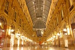 Vittorio Emanuele galleri som tas i Milan Royaltyfri Bild
