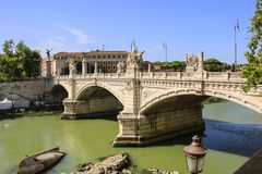 Vittorio Emanuele II bro i Rome, Italien arkivbild
