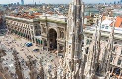 Vittorio Emanuele II galleri och piazza del Duomo i Milan Arkivfoto