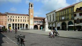 Vittorio Emanuele II Vierkant, Rovigo, Veneto, Italië stock videobeelden