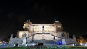 Vittorio Emanuele II (Vittoriano) noite zoom r video estoque