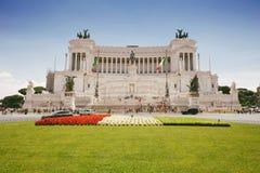 Vittorio Emanuele monument i staden av Rome, Italien fotografering för bildbyråer