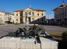 Vittorioe威尼托第一次世界大战的市政厅和纪念碑 库存照片