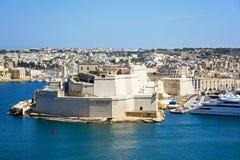 Vittoriosa和堡垒St从瓦莱塔看见的安吉洛 免版税库存照片