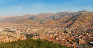 Viva El Peru, Cuzco, panorama- sikt Royaltyfria Bilder