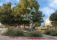 ` Vivant de ` par Andrew Rogers, Hall Park, Frisco, le Texas Images libres de droits