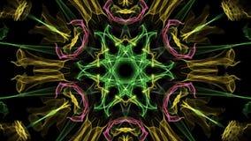 Vive a mandala variegated colorido do fractal, túnel video no fundo preto Testes padrões simétricos animados para video estoque