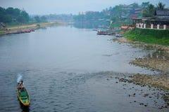 Vivendo sul fiume fotografia stock