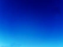 Vivent le ciel sain parfait de fond d'été de ciel de ciel bleu Image libre de droits