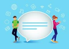 Vivent le concept de causerie des jeunes à l'aide des téléphones intelligents mobiles Image libre de droits