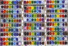 Vividly färgade vattenfärgpannor royaltyfria bilder