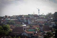 Vivienda urbana pobre Semarang admitida foto Indonesia de la ciudad Foto de archivo